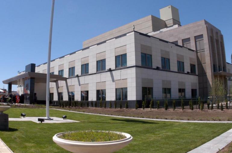 ԱՄՆ-ի Հայաստանի դեսպանատունը վիզաներ տրամադրելու գործընթացը յետաձգած է