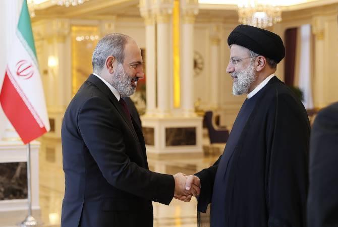 لقاء بين رئيس الوزراء الأرميني نيكول باشينيان والرئيس الإيراني إبراهيم رئيسي بدوشانبي ومناقشة التنظيم السلس لنقل البضائع