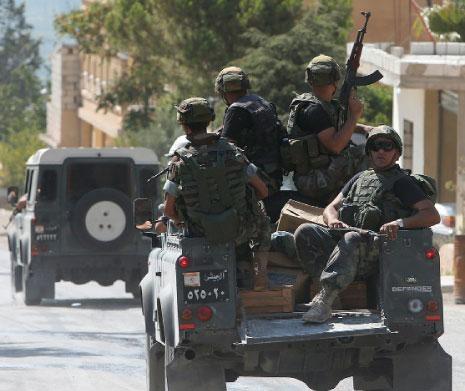 Լիբանանեան  Բանակը ISIS-ի   Անդամ Տասը Զինեալներ Ձերբակալեց