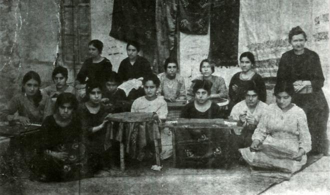 Հայ կանայք՝ Կարեն Եպպեի հիմնած ձեռագործական արվեստանոցում